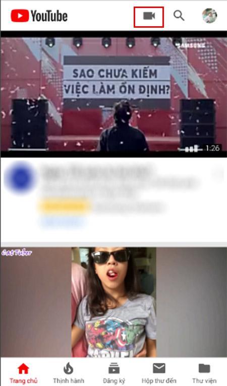 Livestream YouTube trên điện thoại (iOS và Android) + Bước 2