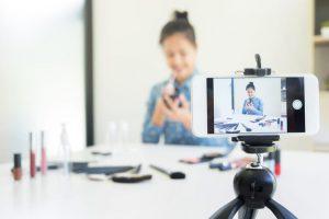 Những lợi ích tuyệt vời khi sử dụng công cụ livestream bán hàng.