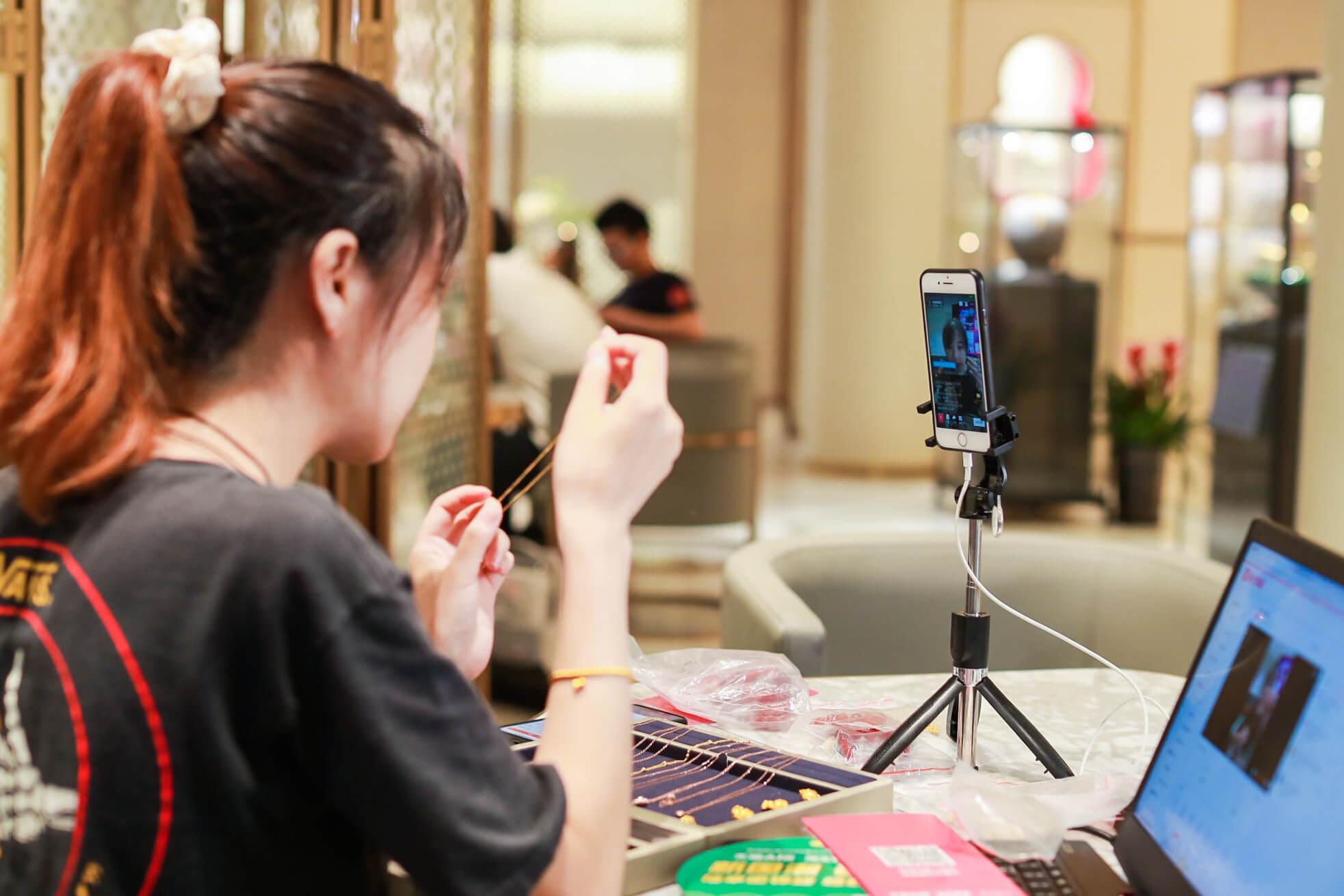 Dịch vụ livestream bán hàng chuyên nghiệp thu hút tương tác khách hàng